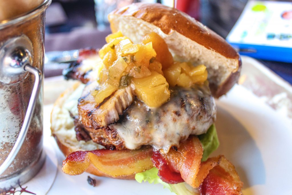 6 Drool Worthy Places to Eat in Orlando graphic