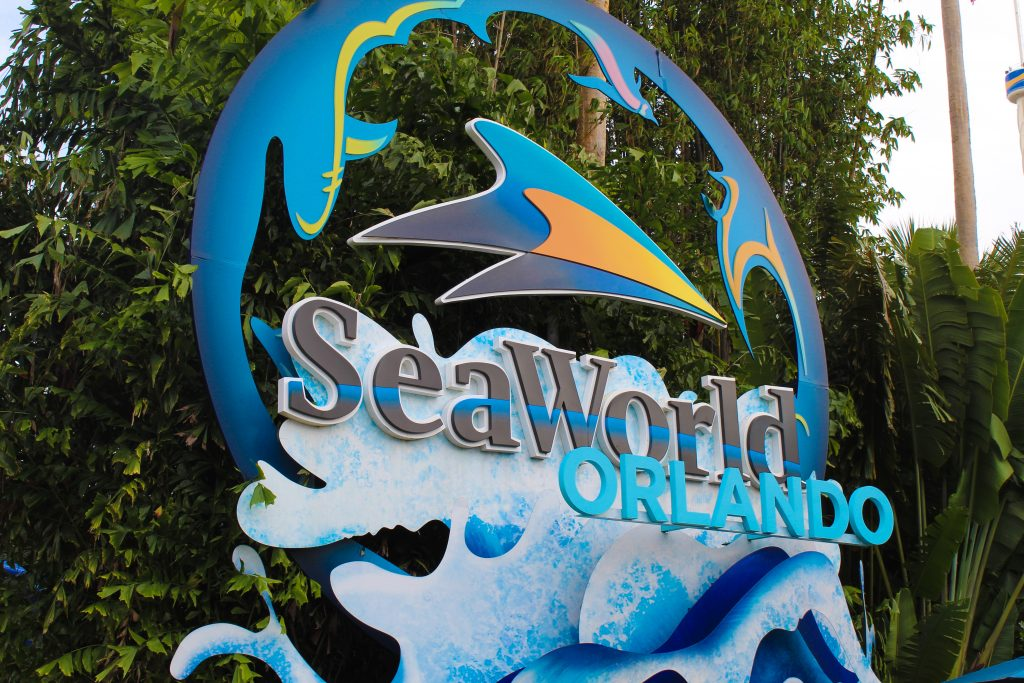 Why SeaWorld's Waves of Honor Program Should be on your Military Family Travel Bucket List graphic