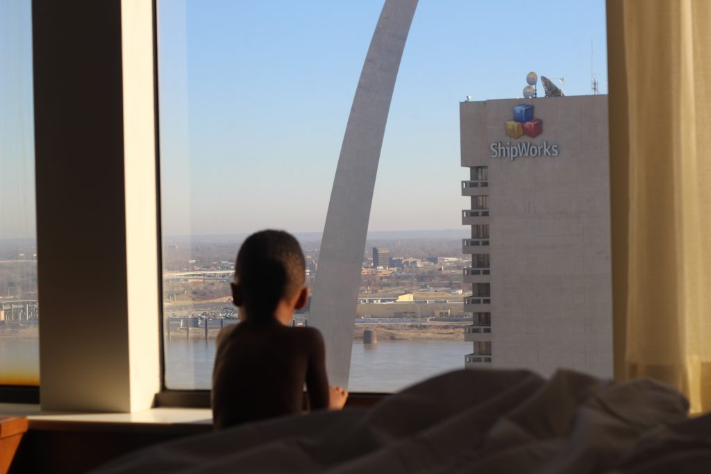 Where to Stay in St. Louis for The Best View of The St. Louis Arch graphic