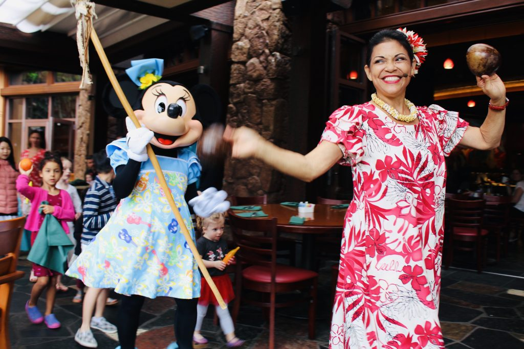 Is Disney's Aulani Character Breakfast at Makahiki Worth the Price? graphic
