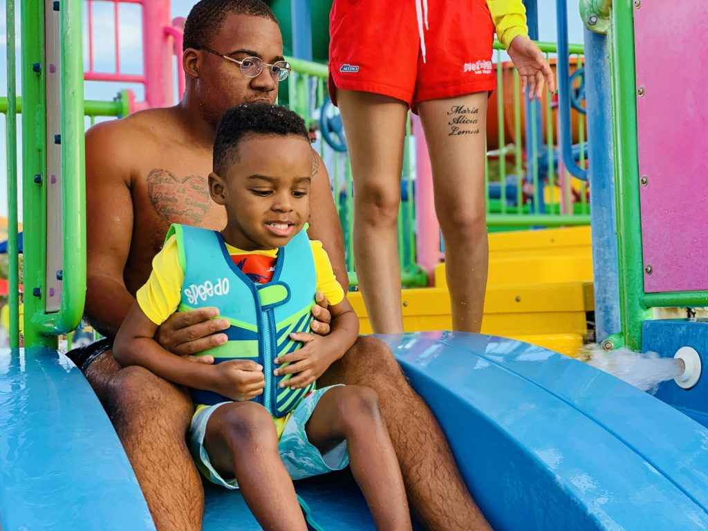 wet n wild Las Vegas father and son picture things to do with kids in Las Vegas