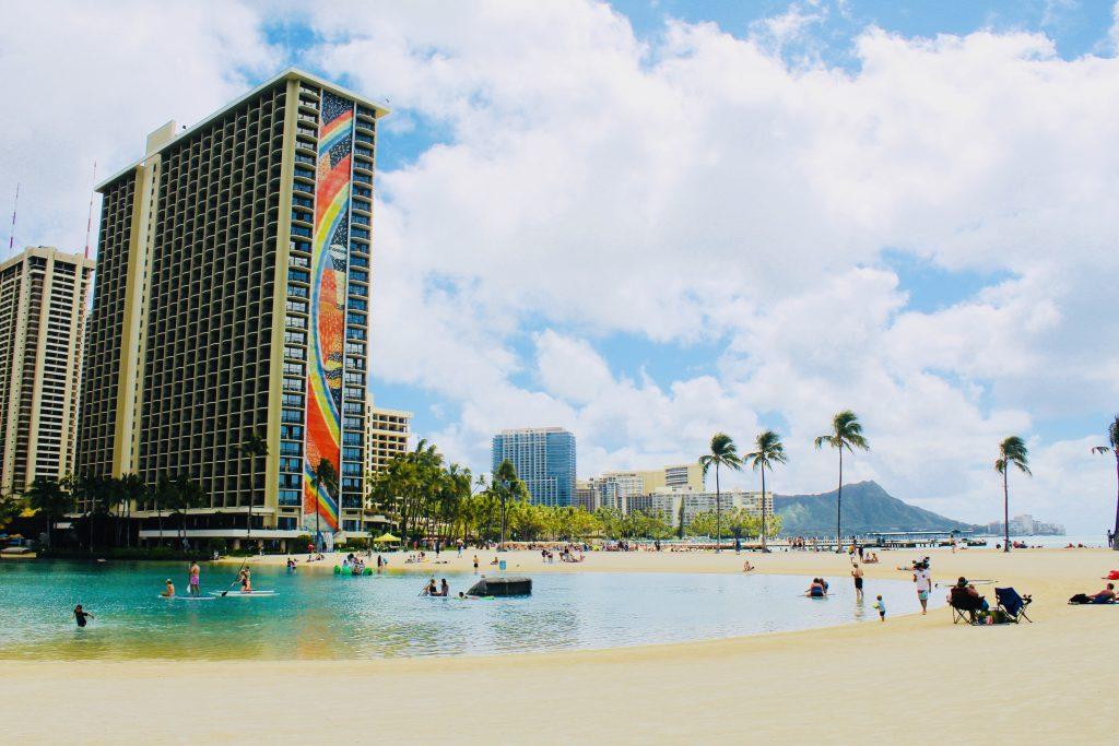 best luau in Oahu: hilton Hawaiian village Waikiki starlight luau