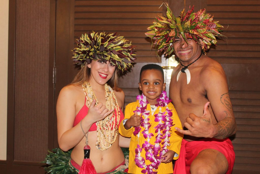 best luau in Oahu: hilton Hawaiian village Waikiki starlight luau