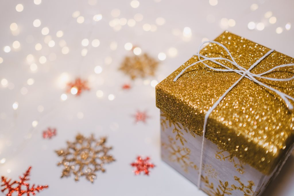2019 Holiday Gift Guide: Military Spouse and Veteran Businesses to Shop for the Holidays graphic