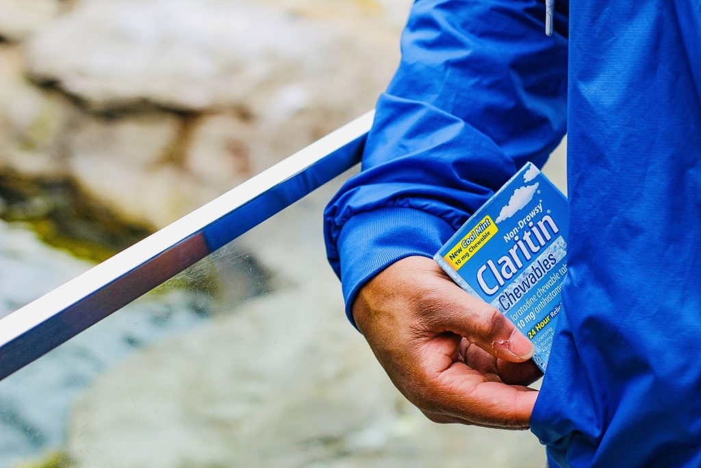 Surviving Spring Allergies with Claritin® Cool Mint Chewables