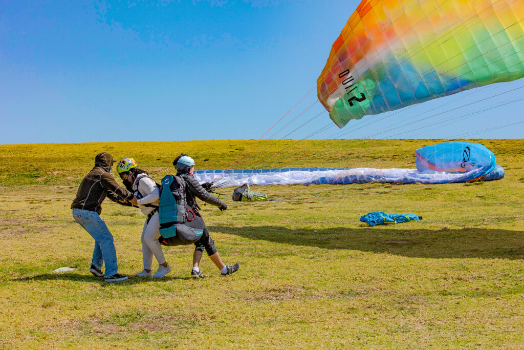 tendem paragliding take off at Torrey pines historic hanglider port